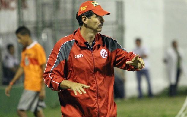 Duílio, técnico do America (Foto: Tiago Ferreira/Divulgação)