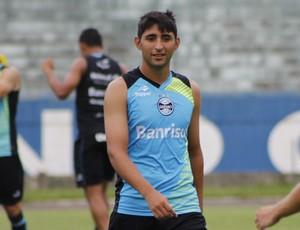 Alan Ruiz segue sem condições legais de estrear pelo Grêmio (Foto: Diego Guichard)