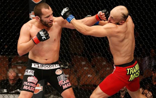 Ernest Chavez luta UFC 170 (Foto: Getty Images)