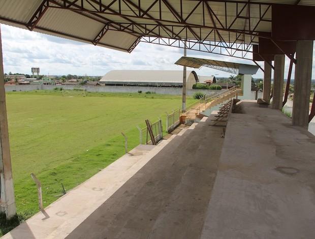Estádio não conta com requisitos exigidos pela FFAC para recber jogos do Campeonato Acreano.  (Foto: Alexandre Lima)