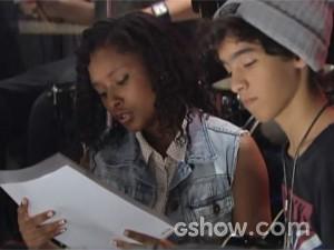 Lorena desconfia que Clara é apaixonada por Guilherme (Foto: Malhação / TV Globo)