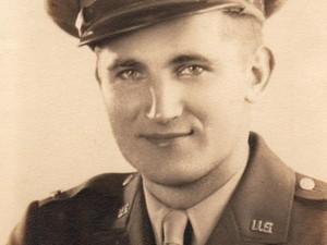 Emil Anthony Petr é veterando da II Guerra Mundial (Foto: Cedida/Divulgação)