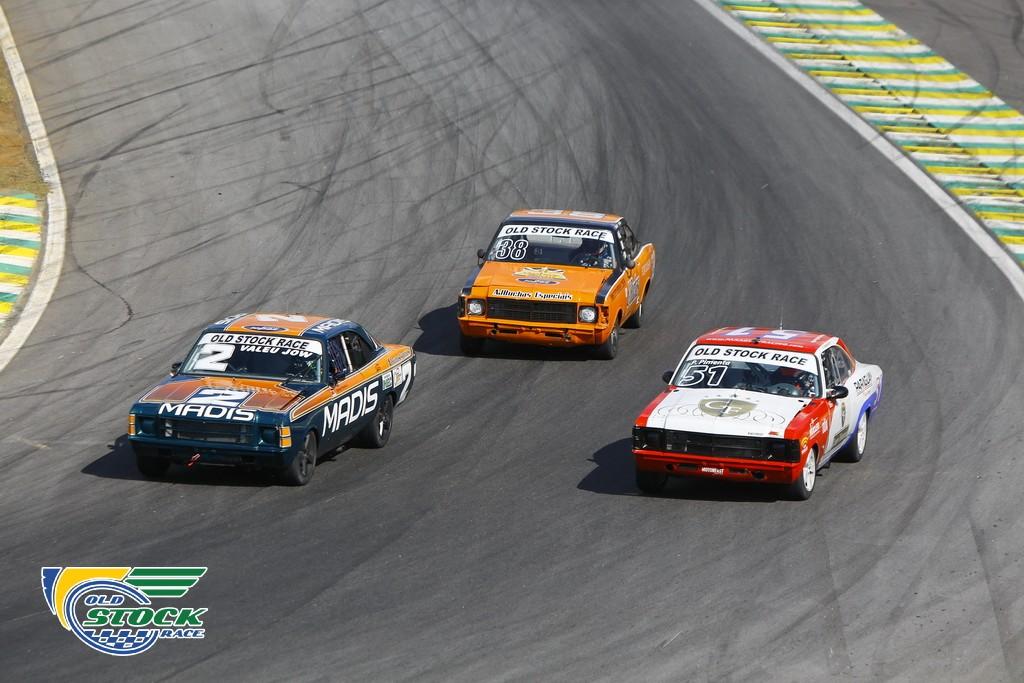Rodrigo M. Pimenta #2 vencedor da corrida 1, com Pedro Pimenta #51 e Rodrigo Leite #38 (Foto: Humberto Silva/OSR)