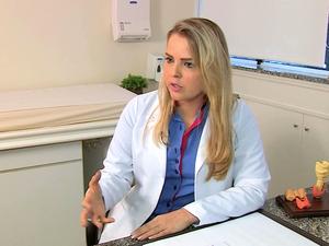 Médica Andresa Colombo Balestro matéria do TeleDomingo sobre hormônio HCG  (Foto: Reprodução/RBS TV)