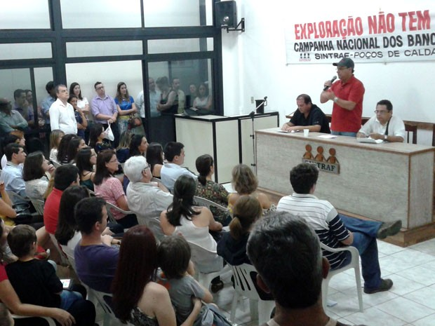 Trabalhadores votam pelo fim da greve dos bancários no Sul de Minas (Foto: Gustavo Medanha / Sindicato Bancários Poços de Caldas)