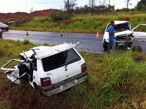 Acidente na estrada de Silvânia, em Matão, causou uma morte (Foto: Luiz Esteves/TV Matão)