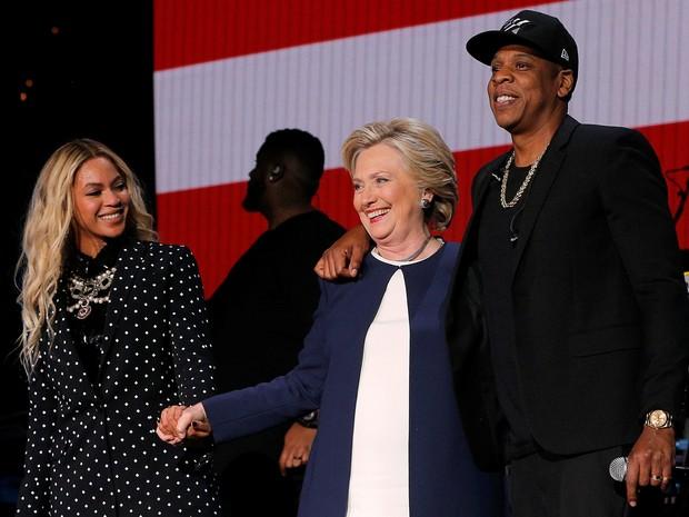 Beyoncé, Hillary Clinton e Jay-Z em Cleveland, nos Estados Unidos (Foto: Justin Sullivan/ Getty Images/ AFP)
