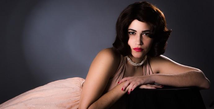 Yasmin Gomlevsky encarna Hilda Furacão (Foto: Fábio Rocha / Gshow)