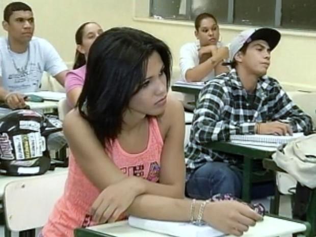 Nicole pode usar nome social na escola (Foto: Reprodução / TV TEM)