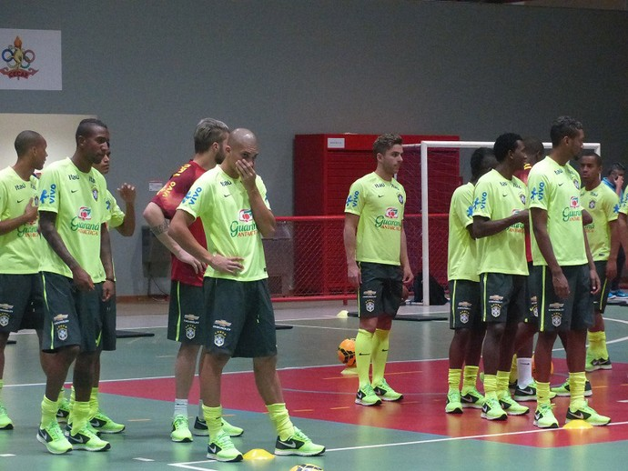 treino seleção Brasil Sub-21 (Foto: Felipe Schimidt)