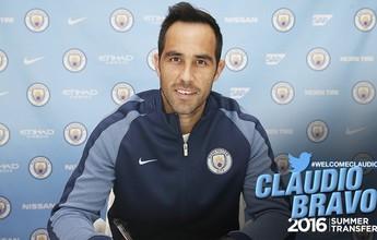 Manchester City anuncia a contratação do goleiro chileno Claudio Bravo