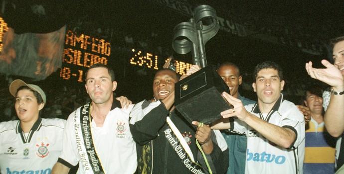 corinthians campeão brasileiro 1999 João Carlos Ricardinho (Foto: Milton Michida/Estadão Conteúdo)