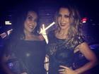 Scheila Carvalho e Sheila Mello curtem noite juntas