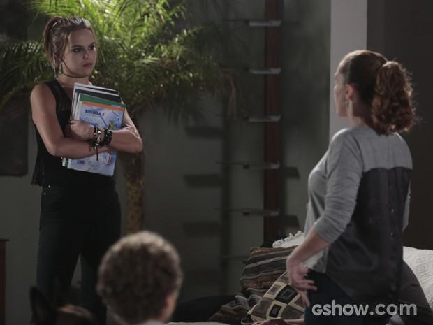 Vera se explica para a filha  (Foto: Felipe Monteiro/ Tv Globo)