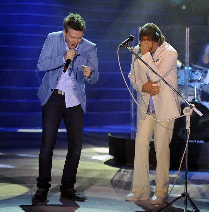 'Ai Se Eu Te Pego' foi uma das canções que Michel Teló cantou com Roberto Carlos (Foto: Globo/Estevam Avellar)