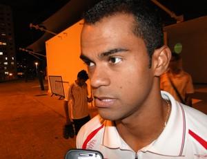 Júnior Negão, atacante do Tombense (Foto: Léo Simonini / Globoesporte.com)