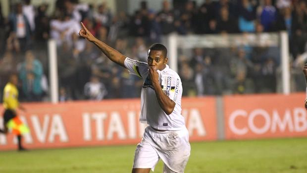 Robinho comemora gol do Santo contra o Londrina (Foto: Mauricio de Souza / Agência estado)