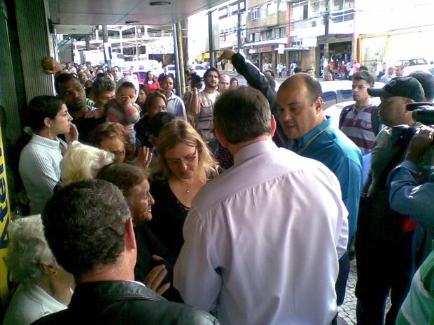 pagamento aluguel social petropolis (Foto: Andressa Canejo/G1)
