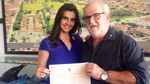 Jornalista Tatyana Jorge com seu pai (Foto: Arquivo Pessoal)