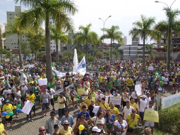 Manifestação em Brusque ocorreu na manhã deste domingo (15) (Foto: Pedro Paulo Angioletti/Rádio Araguaia)