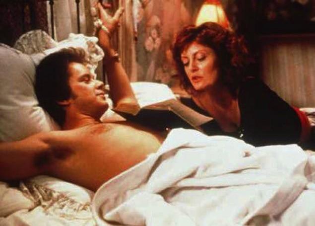 Susan Sarandon e Tim Robbins começaram a namorar após fazerem par em Sorte no Amor (1988). O romance entre eles durou 21 anos! (Foto: Reprodução)