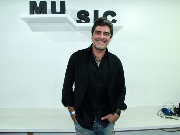 Junno Andrade em show na Zona Oeste do Rio (Foto: Graça Paes/ Brazil News)