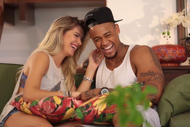 Léo Santana e Lorena Improta (Foto: Heber Barros/Divulgação)