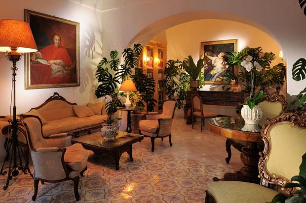 Plantas são as estrelas deste hotel de luxo (Foto: Le Sirenuse/Divulgação )