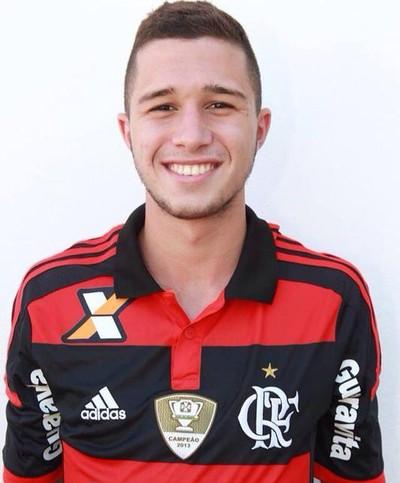Caio Quiroga renova com o Flamengo (Foto: Divulgação)