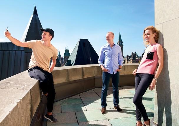 Jérôme Jarre, Frederick Blackford e Natalia Vodianova (Foto: Reprodução/ Vanity Fair)