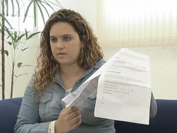 Helen Paixão caiu no golpe em Botucatu e tenta reaver o dinheiro perdido (Foto: Reprodução/TV TEM)