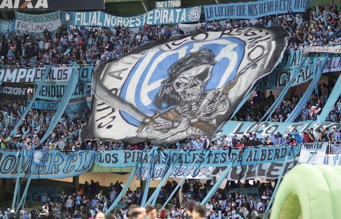 Torcida Belgrano Coritiba (Foto: Hedeson Alves / EFE)