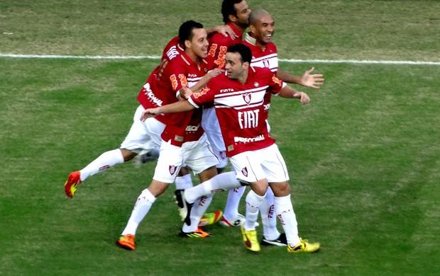 Gabriel santos américa-MG gol CRB (Foto: Rodrigo Fuscaldi / Globoesporte.com)