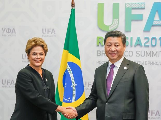 A presidente Dilma Rousseff e o colega chinês, Xi Jinping, durante cúpula do Brics, na Rússia (Foto: Roberto Stuckert Filho/PR)
