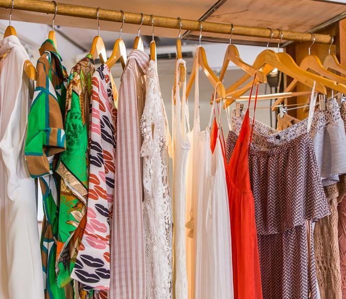 Algumas peças do closet de Deborah Secco (Foto: Artur Meninea/Gshow)