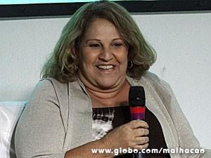 Ana Maria Moretzsohn fala para os jornalistas (Foto: Malhação / TV Globo)