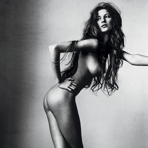 A top Gisele Bündchen, em 1999 pelas lentes de Penn para a Vogue americana (Foto: © The Irving Penn Foundation, © Condé Nast Publications, Inc, Irving Penn e Reprodução)