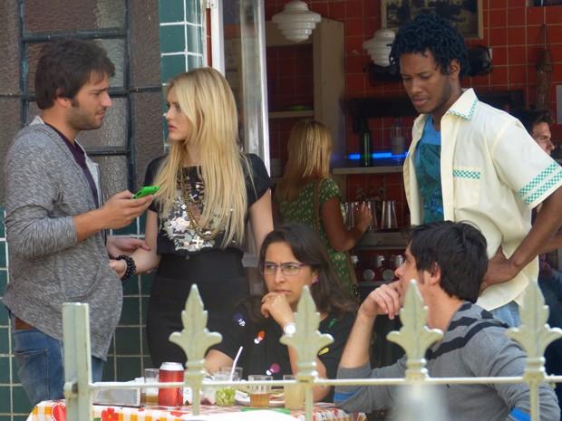 Davi diz chega e pede para Megan ir embora com ele  (Foto: Geração Brasil/ TV Globo)