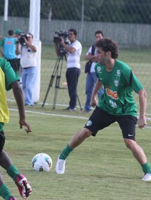 Lincoln, meia do Coritiba (Foto: Gabriel Hamilko / GloboEsporte.com)