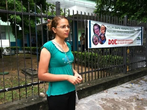 Cuattiusleid Bento diz que atraso do ônibus a fez perder vestibular da UEA (Foto: Ana Graziela Maia/G1 AM)