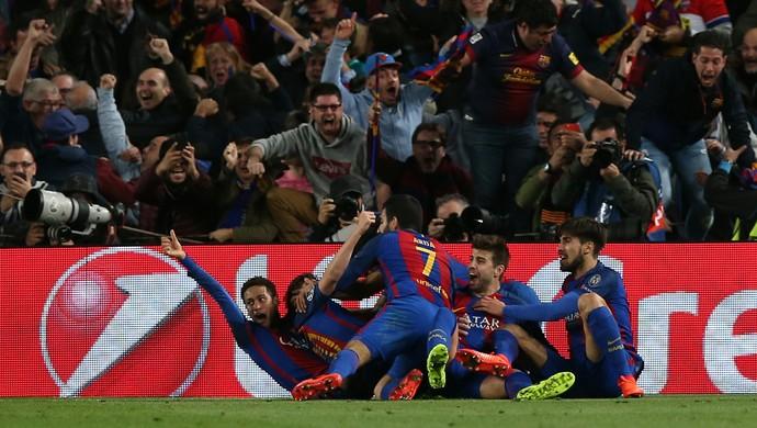Neymar na comemoração do sexto gol do Barcelona sobre o Paris Saint-Germain no Camp Nou (Foto: Reuters / Albert Gea)