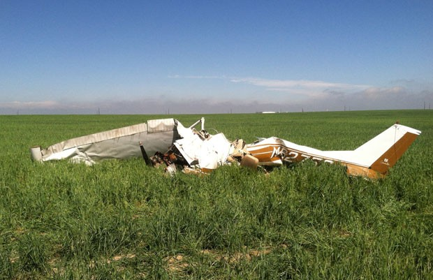[Internacional] Investigação aponta que selfie pode ter causado queda de avião nos EUA Selfies-plane-crash_fran