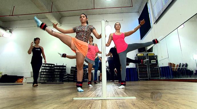 O Power Ballet fortalece a musculatura e dá equilíbrio para quem o pratica (Foto: reprodução EPTV)