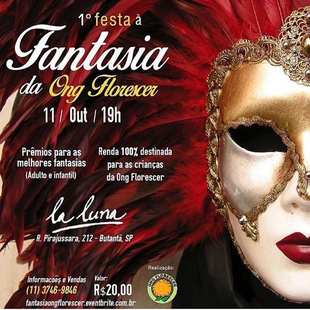 Convite de festa à fantasia, que contou com celebração dos 40 anos de Karina Bacchi (Foto: Divulgação)