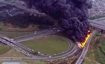Caminhão pega fogo em alça do Rodoanel (Reprodução/TV Globo)