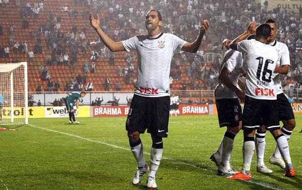 Danilo, Corinthians x Figueirense (Foto: DF Diorio / Agência Estado)