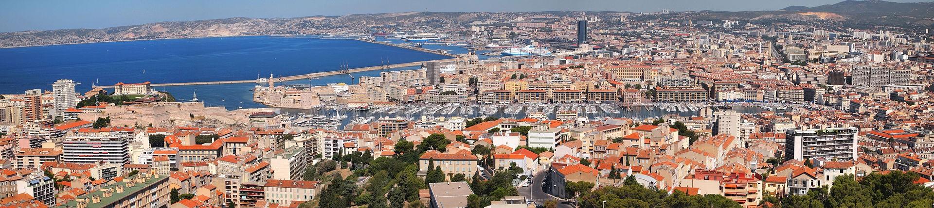 Panorama da região portuária de Marselha, França (Foto: Tiia Monto/Wikipédia)