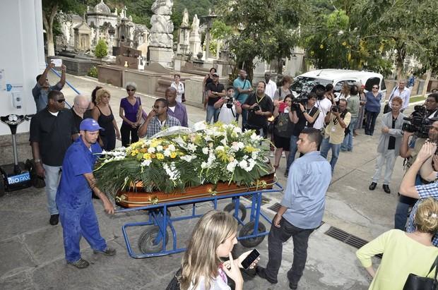Enterro de Marília Pêra (Foto: Roberto Teixeira / ego)