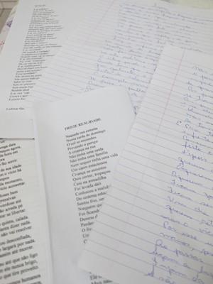 Poesias da Vovó do Rap (Foto: Mariane Rossi/G1)