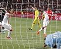 Falcao sai do banco e marca, mas Monaco estreia com derrota em casa